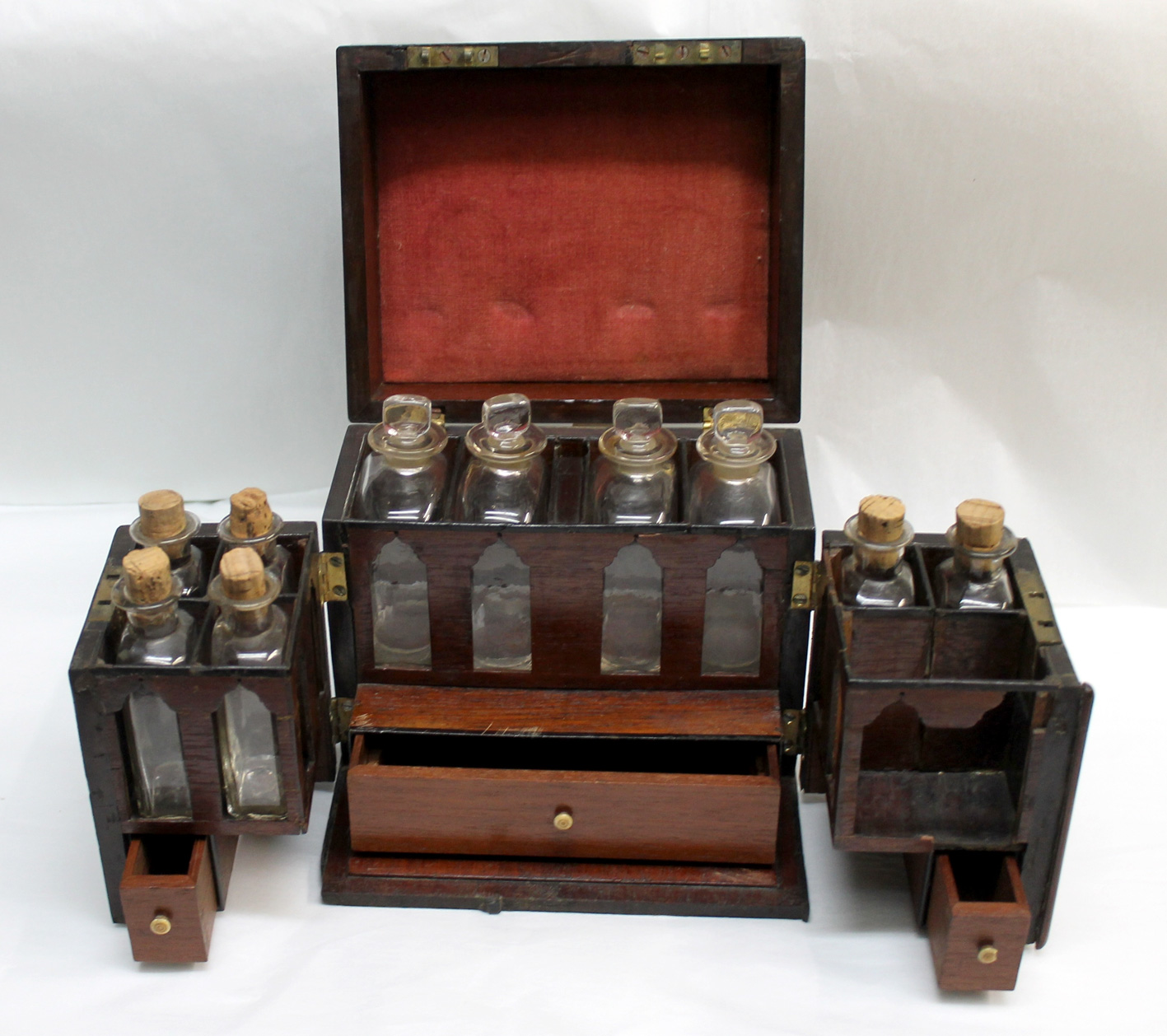 Medicine chest for use in the home, England early 19th century